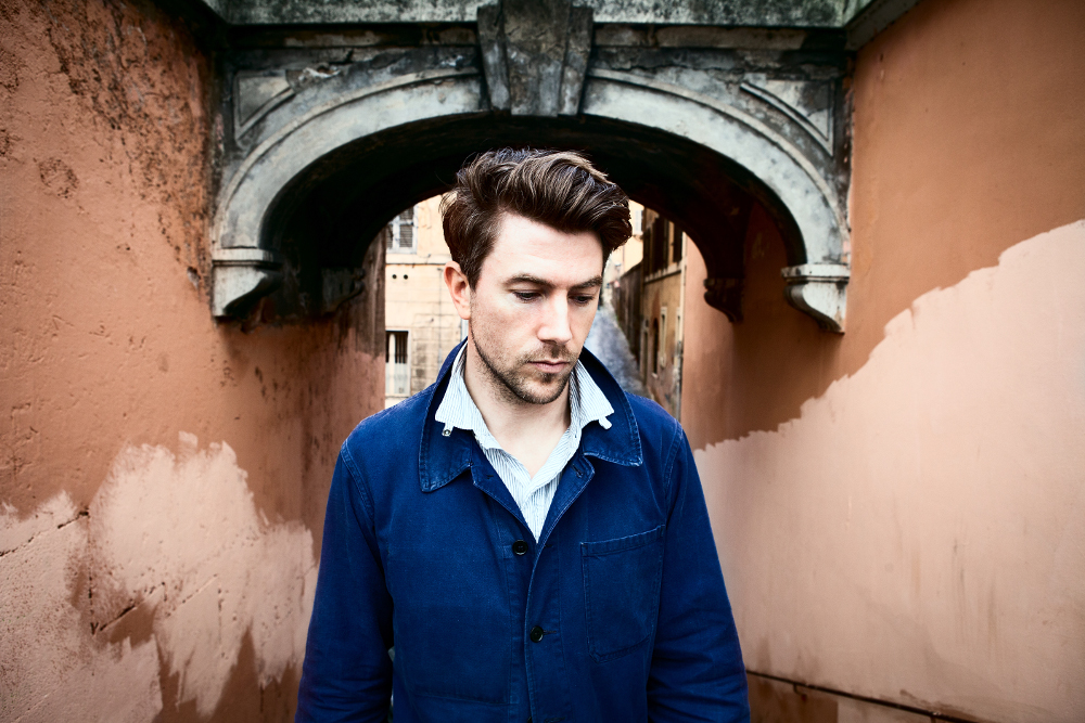 Luke Winslow-King tours in France and Benelux this month