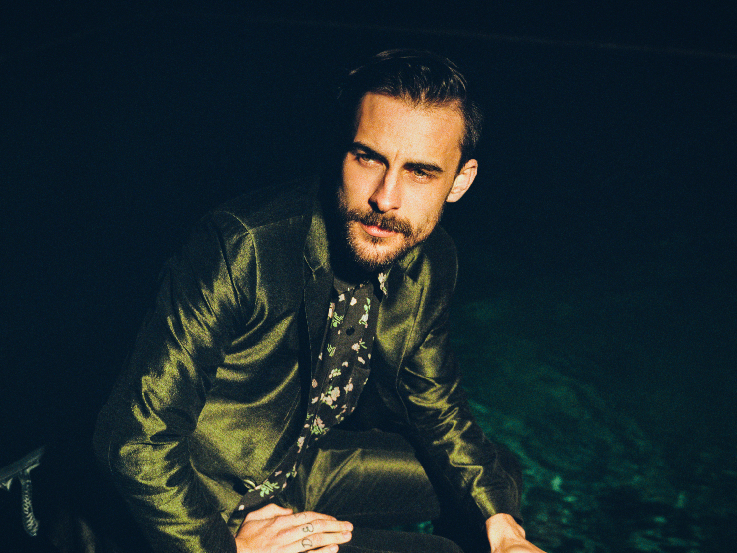 This June! Select number of shows for Robert Ellis and his band